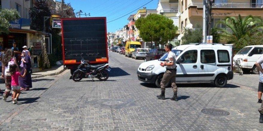 Ayvalık'ta trafik kazası: 2 yaralı