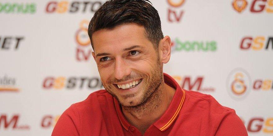 Galatasaray Dzemaili'yi Bologna'ya verdi