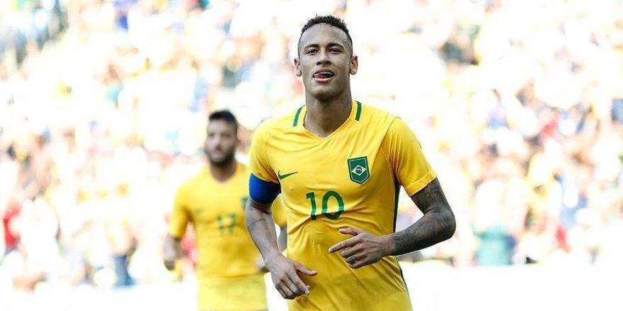 Brezilya finale yükseldi, Neymar tarihe geçti