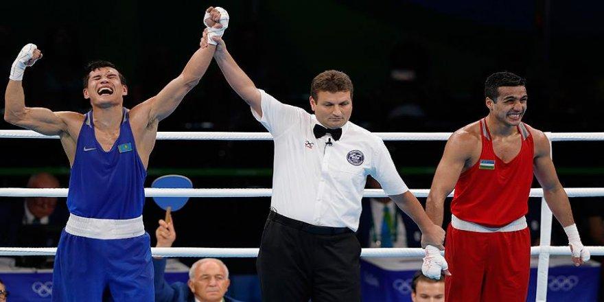 Boksta altın madalya Kazak Yeleussinov'un