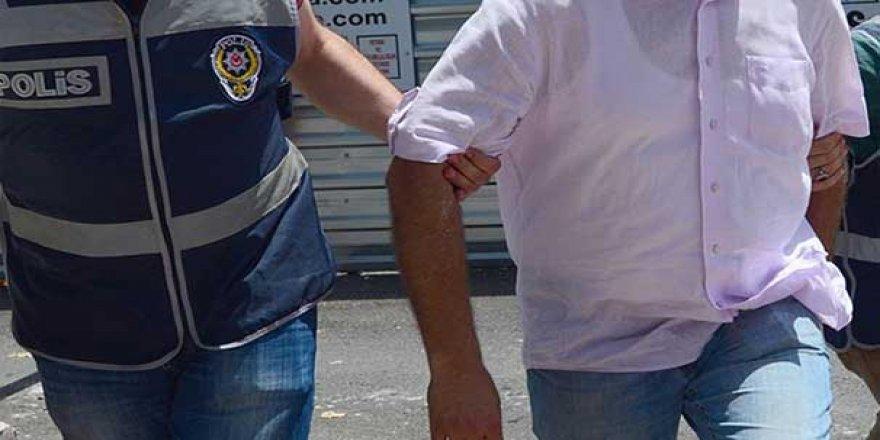 İki eski büyükelçiye gözaltı