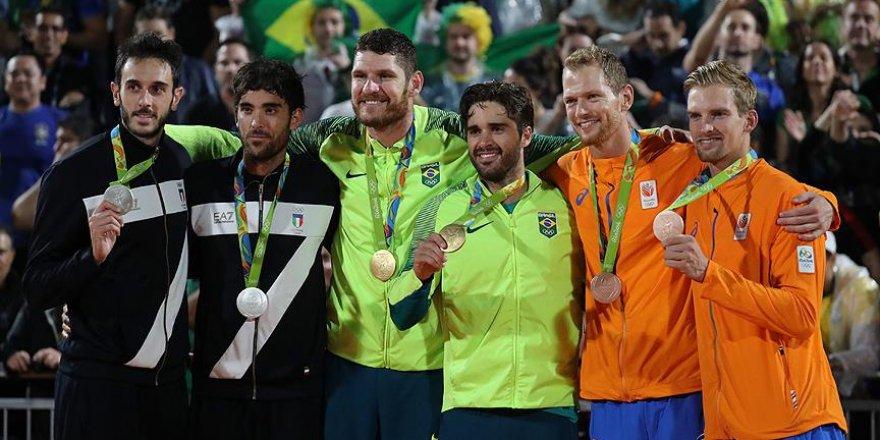 Erkekler plaj voleybolunda altın madalya Brezilya'nın