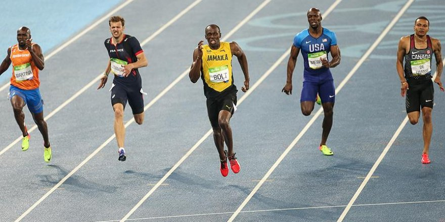Bolt 200 metre finalinde rahat kazandı