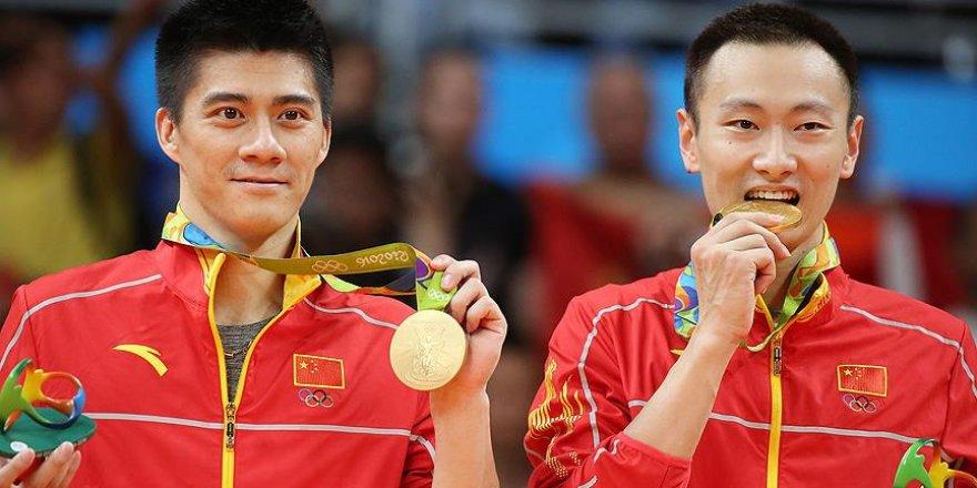 Badmintonda iki kategoride madalyalar dağıtıldı