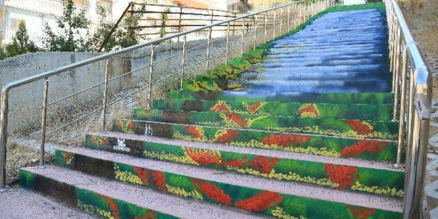 Merdivenli yollar renklendi