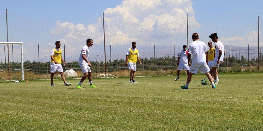 Özel Sporcular Milli Takımı kampa girdi