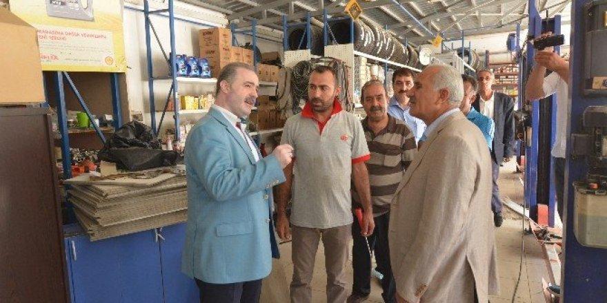 Başkan Özgökçe ve AK Parti heyeti esnafı ziyaret etti