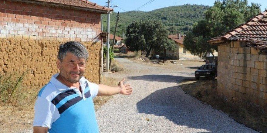 Soma Kızılören'de asfalt çalışması