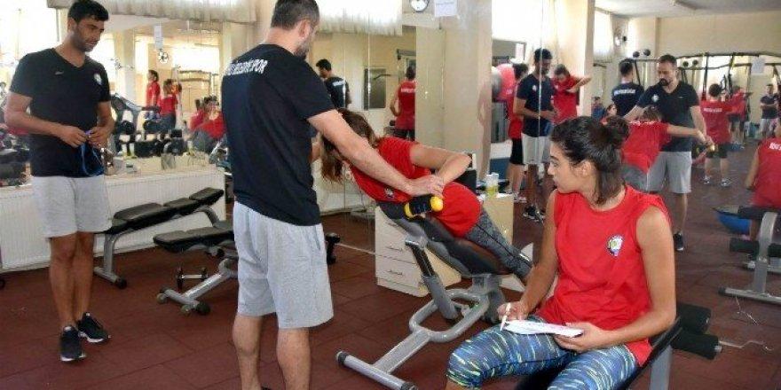 Salihli'nin sultanları yeni sezon hazırlıklarını sürdürüyor