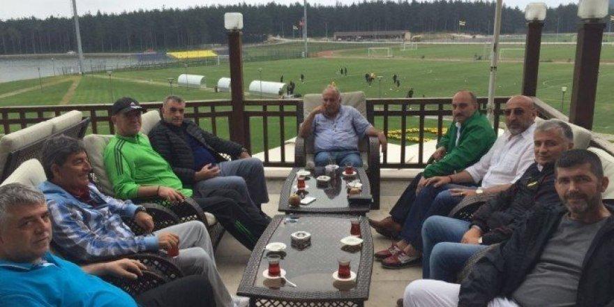 Başkan Toçoğlu, Sakaryaspor hazırlık kampını ziyaret etti