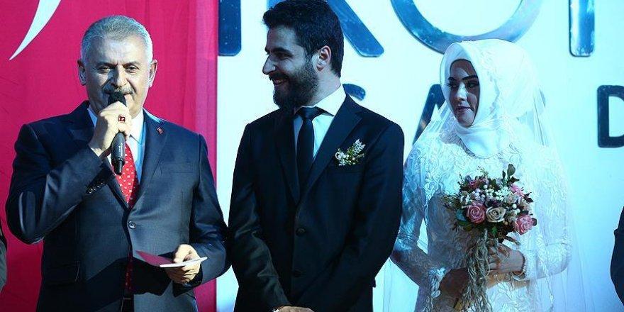 Başbakan Yıldırım Konya'da nikah şahitliği yaptı