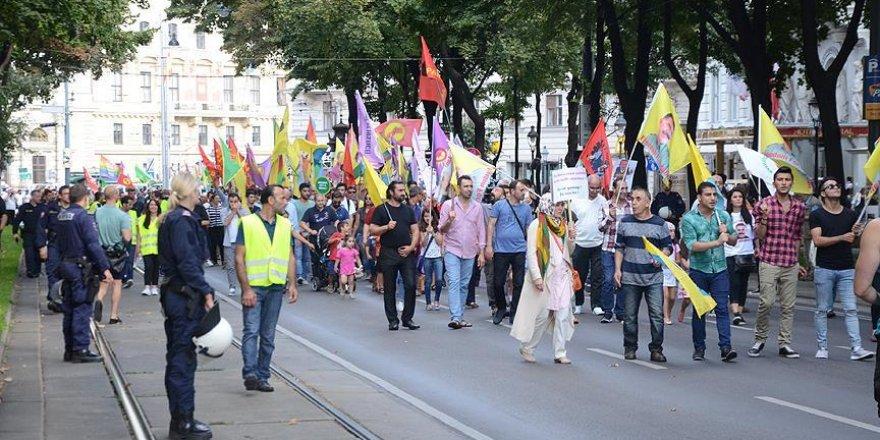 Avusturya'da PKK yandaşlarından eylem