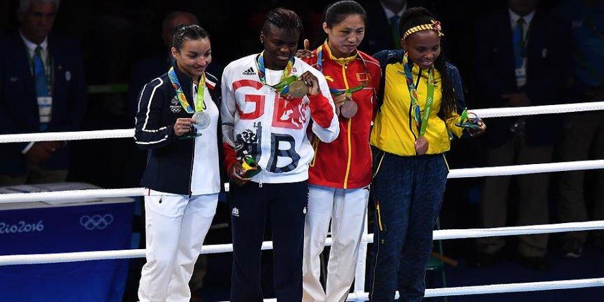 Boksta 3 kategoride altın madalyalar verildi