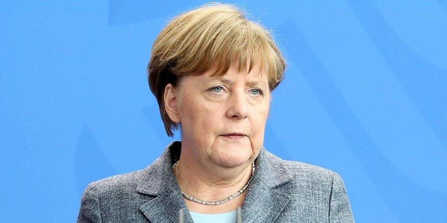 Merkel, Başbakan Yıldırım'a taziyelerini iletti