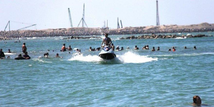Karadeniz sahillerinde bin 240 kişi boğulma tehlikesi geçirdi