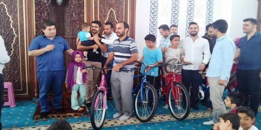 Kur'an-ı Kerim öğrenen öğrencilere bisiklet hediye edildi