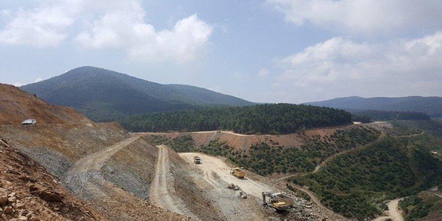 Akçay'da sıra baraj gövdesinde