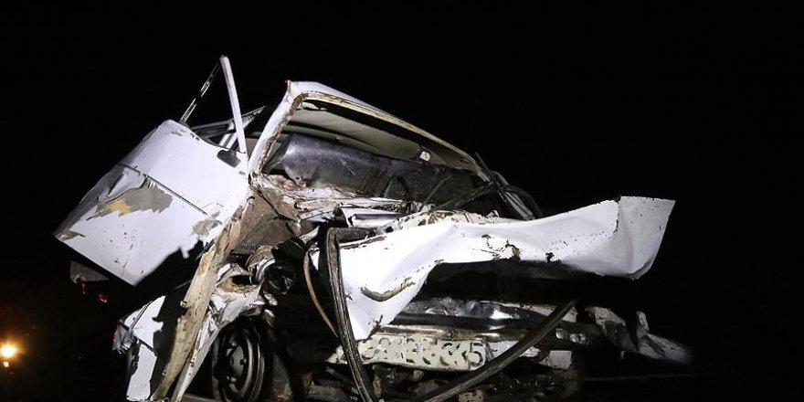 Isparta'da trafik kazası: 12 yaralı