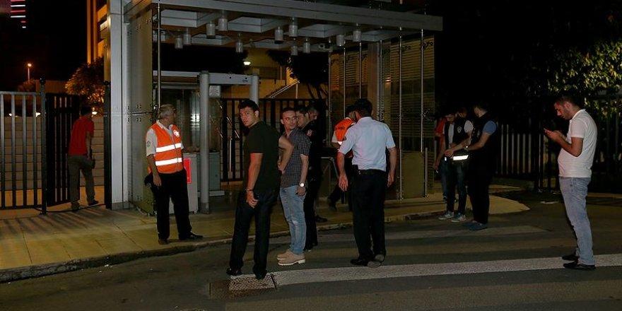 İsrail Başkonsolosluğu'na girmeye çalışan 5 eylemci gözaltına alındı