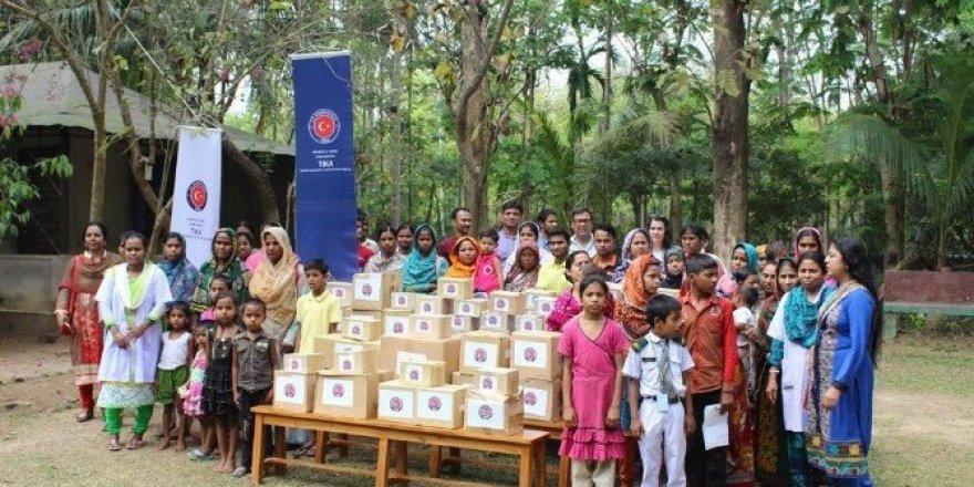 Bangladeş'te Fareea Lara Anne-Çocuk Sağlık Ocağı'na ilaç desteği