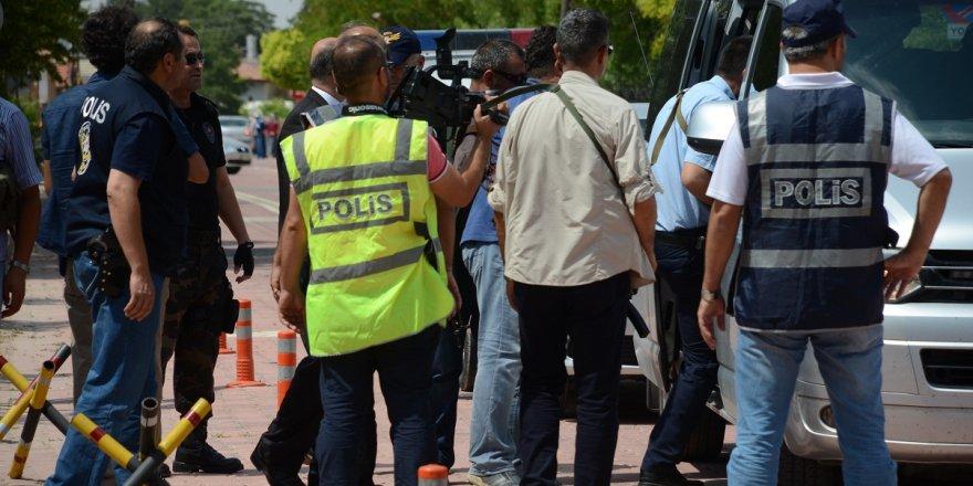 Sarayönü ilçesinde  FETÖ operasyonu: 16 gözaltı