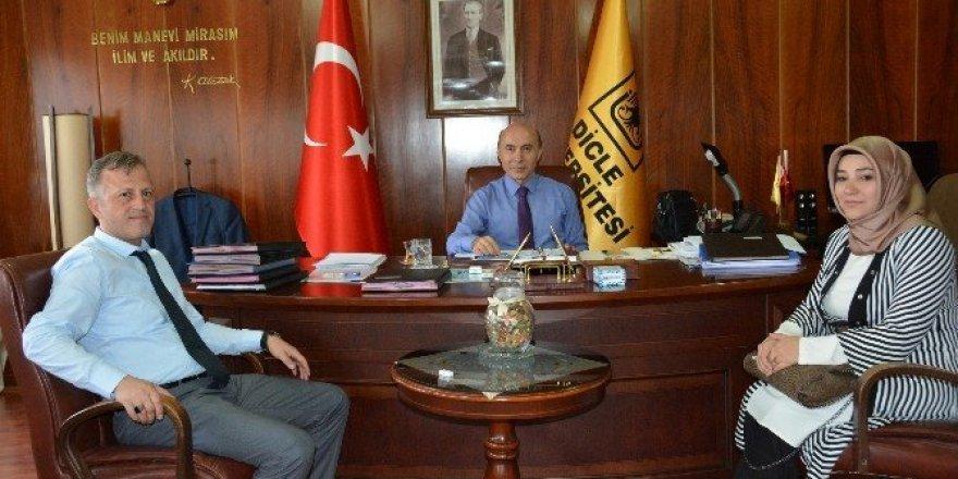 AK Parti MKYK üyesi Alkış, Rektör Gül'ü ziyaret etti