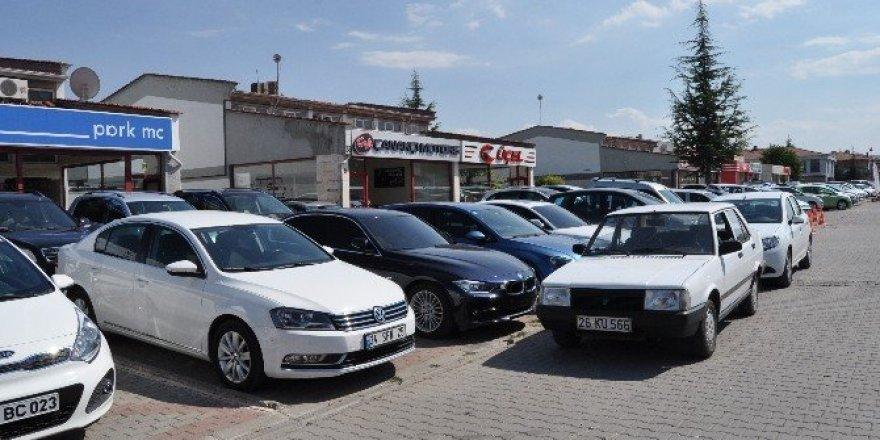 Galericiler 3 araç satış sınırlandırılmasına umutla bakıyor