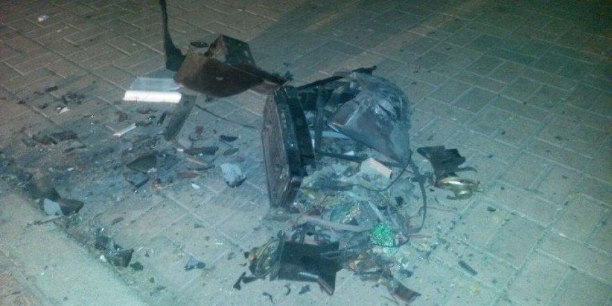 Park yakınına bırakılan televizyon kontrollü şekilde patlatıldı
