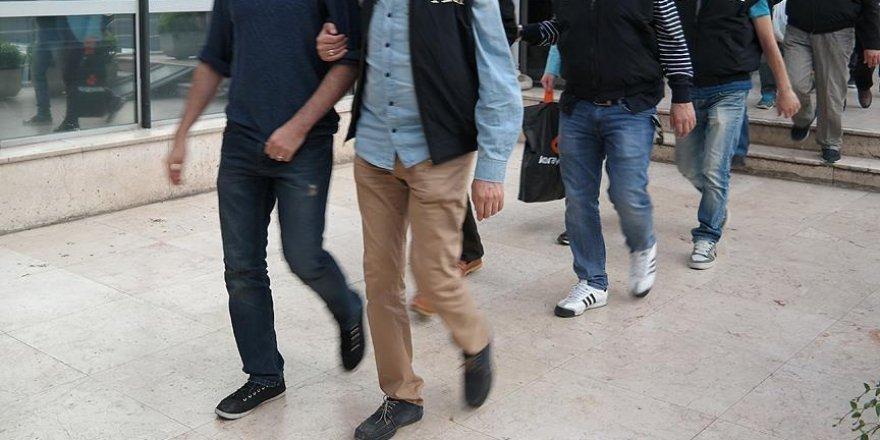Burdur'da 11'i müdür 38 polis tutuklandı