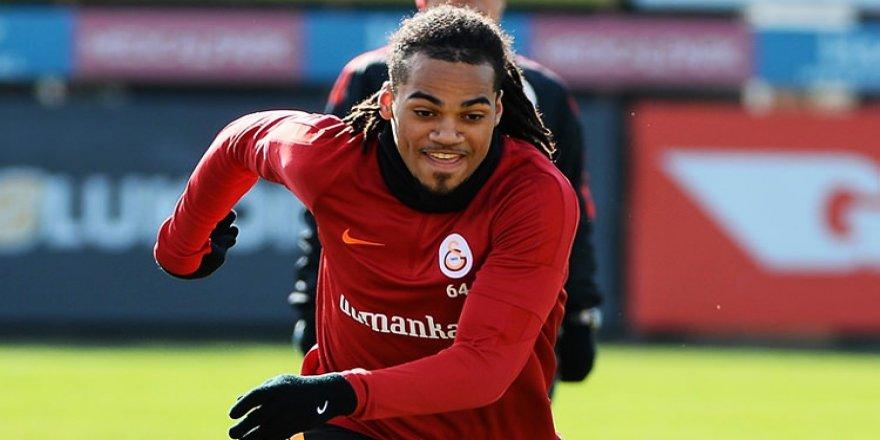 Galatasaray Denayer'i ezeli rakibine kaptırdı!