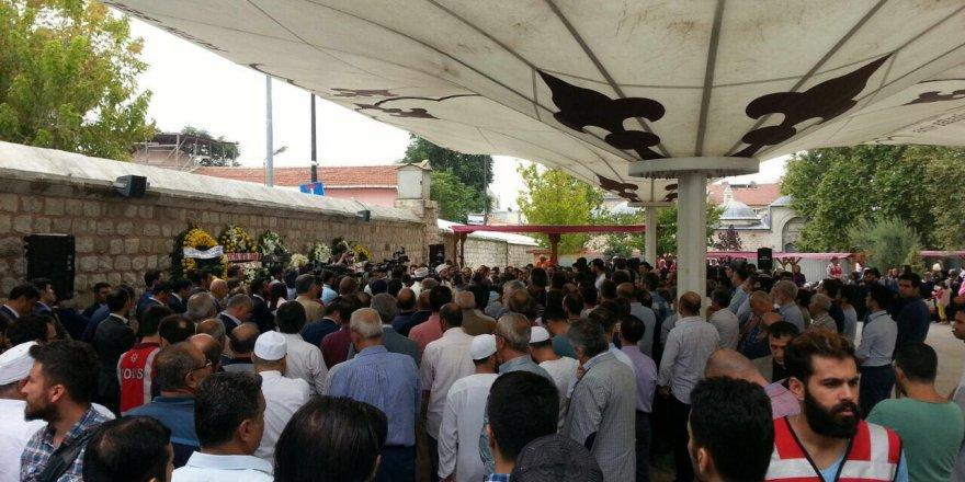 Şehit Ramazan Sarıkaya'nın cenazesi toprağa verildi