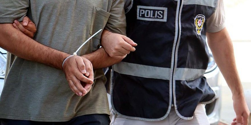 Dava izlemeye geldiği adliyede gözaltına alındı