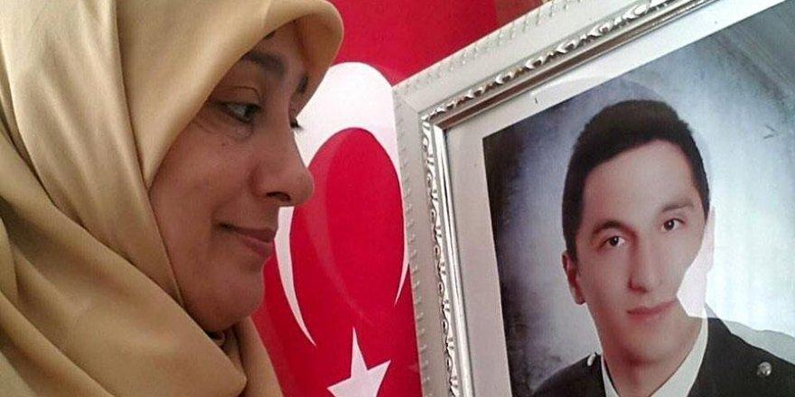 Şehit annesi 15 Temmuz şehitleri için dernek kurdu