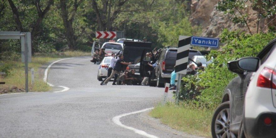 Kılıçdaroğlu'nun konvoyu yakınında çatışma
