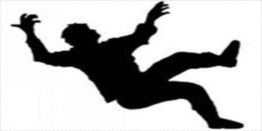 AVM'de akıl almaz olay: 1 ölü, 1 yaralı