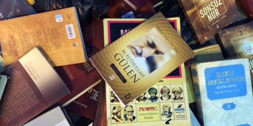 Ayçiçeği tarlasında Fethullah Gülen'in yazdığı 48 kitap bulundu