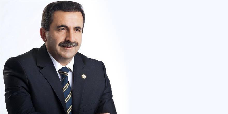 AK Parti'de 4 belediye başkanı ihraç edildi