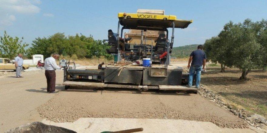 Karakurt-İlyaslar mahalle yoluna sıcak asfalt