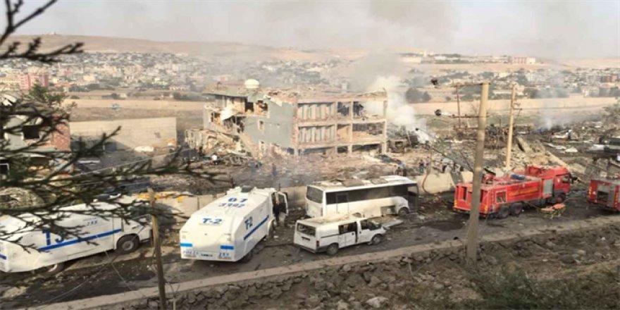 Cizre'de patlama: 11 şehit, 78 yaralı