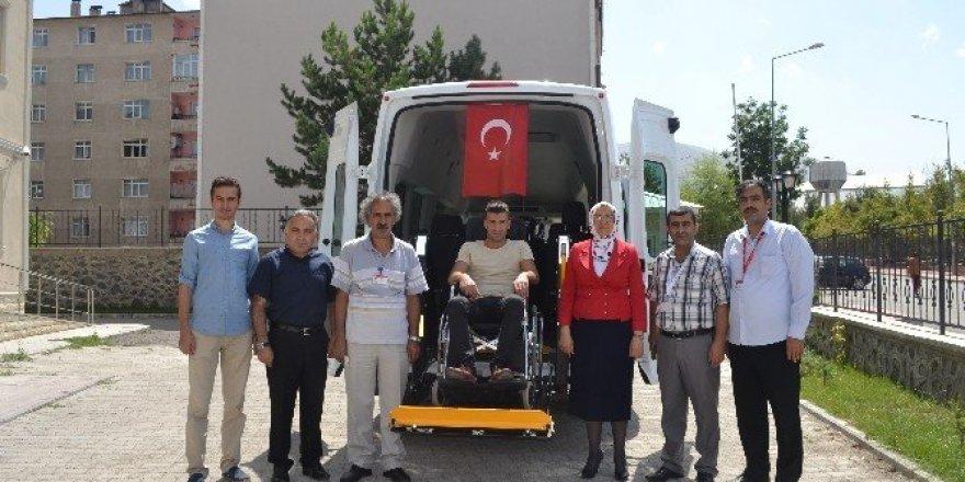 Aile ve Sosyal Politikalar İl Müdürlüğü'ne özel engelli minibüsü