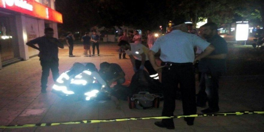 Arkadaşıyla kavga eden adam iğneyle intihar etti