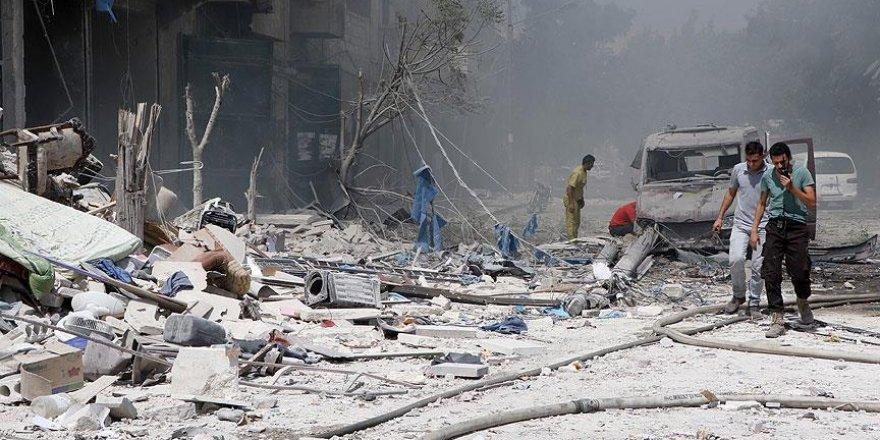 Esed rejimi Halep'te taziye çadırını vurdu: 20 ölü