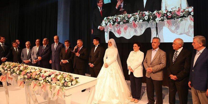 Milli Savunma Bakanı Işık kızını evlendirdi