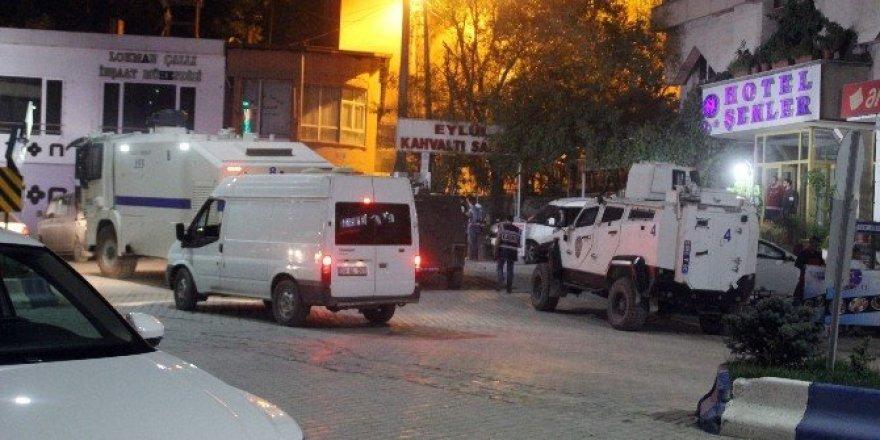 Hakkari'de polis lojmanı yakınlarında patlama
