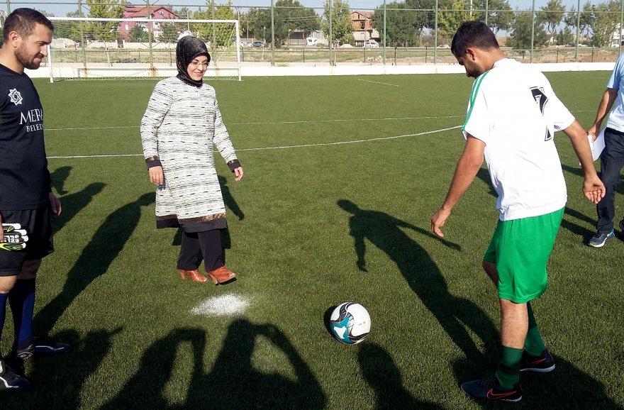 Şehit Ömer Halisdemir Futbol Turnuvası başladı