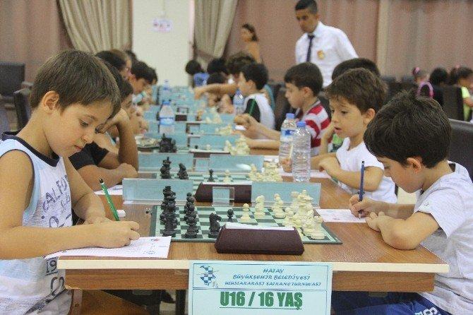 Hatay'da 8. Uluslararası Satranç Turnuvası heyecanı