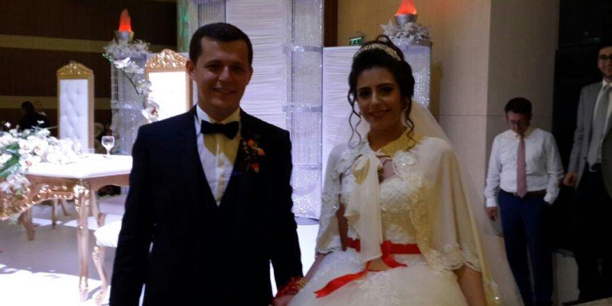 Esra ile Mehmet Fatih'in mutlu günü