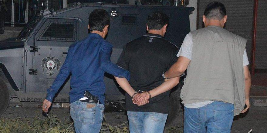 Van'da terör örgütü PKK'ya yardım ve yataklık yapan 8 kişi tutuklandı