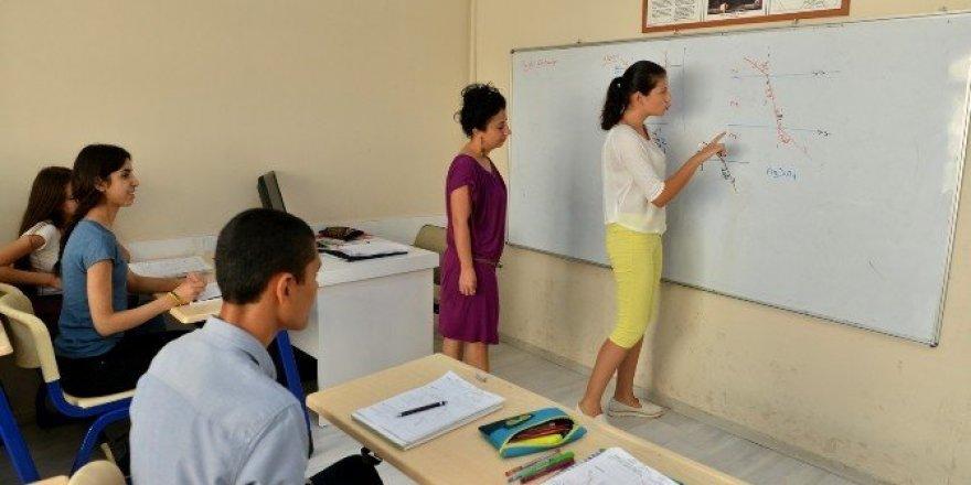 Konyaaltı Etüt Merkezi'nde dersler başladı