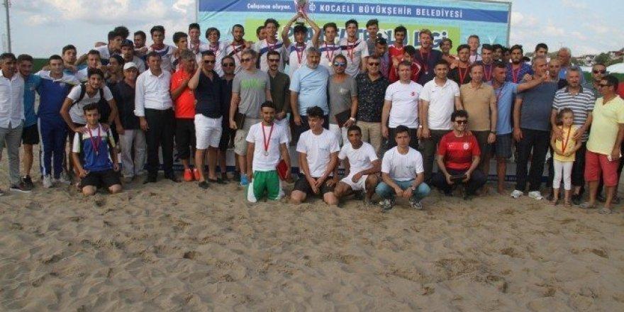 Kocaeli Birlik 2, TFF Plaj Futbol Ligi'nin şampiyonu oldu
